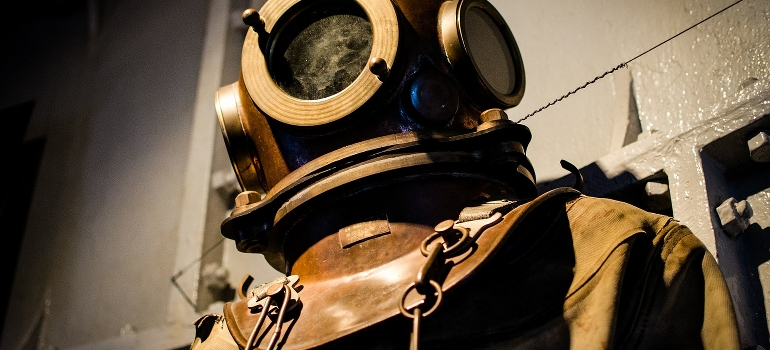 An antique diving gear