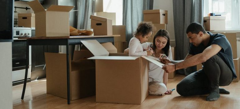 Parents including their kid in the relocation process